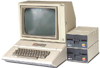 - 35 лет назад Apple выпустила компьютер Apple II